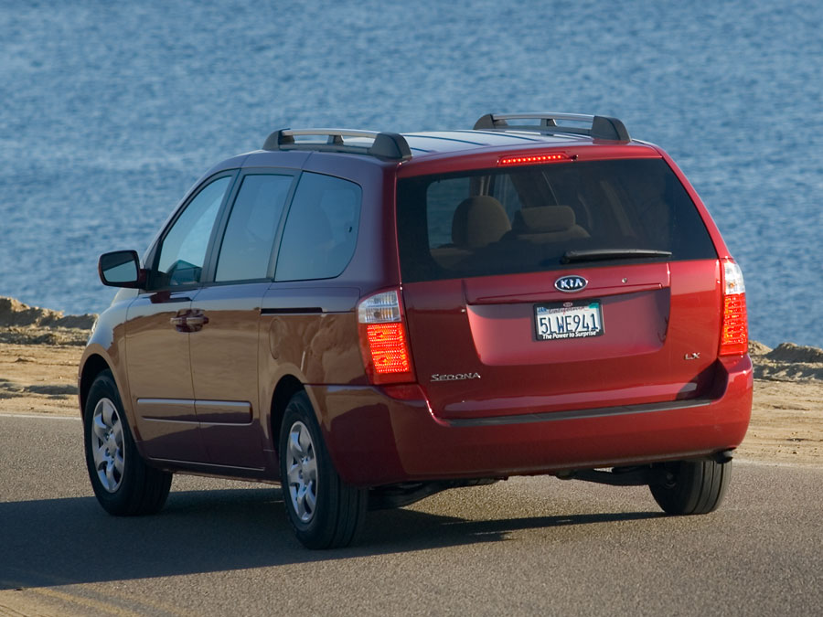 2007 Kia Sedona Minivan Review Amp Road Test Automobile