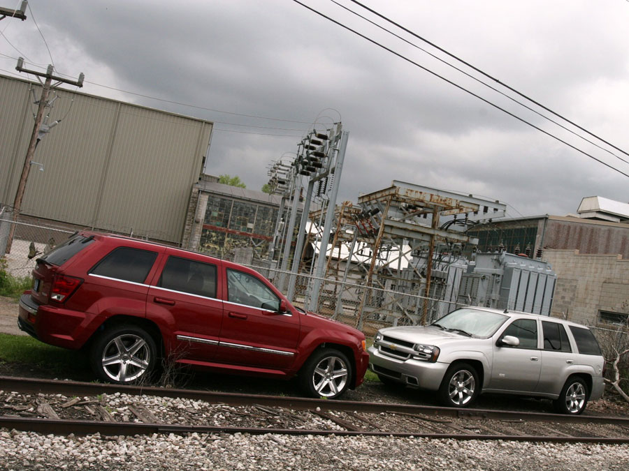 2006 Chevrolet Trailblazer SS vs. 2006 Jeep Grand Cherokee SRT8 - SUV Comparison Road Test ...