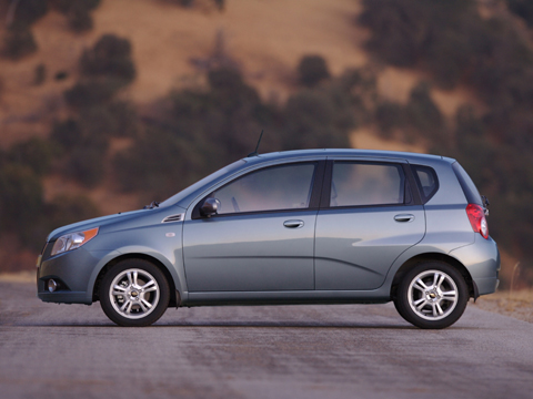 2009 chevy aveo5 chevy subcompact hatchback review. Black Bedroom Furniture Sets. Home Design Ideas