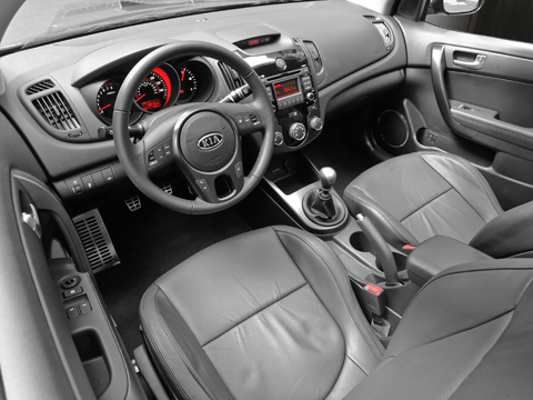 2010 kia forte koup first drive review automobile magazine for 2010 kia forte koup interior