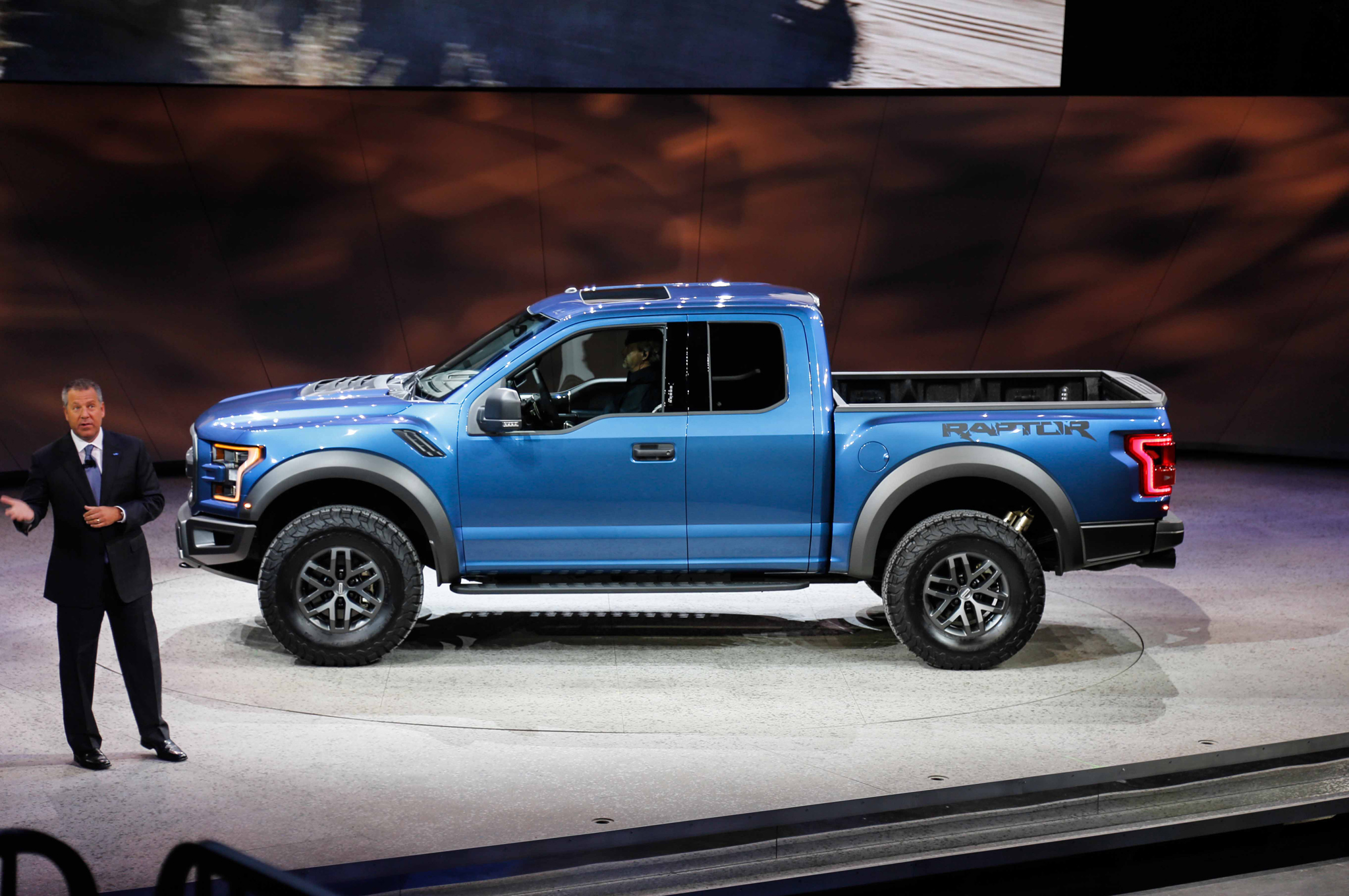 2017 Ford F 150 Svt Raptor Adds 3 5 Liter Ecoboost 10 Speed Automatic