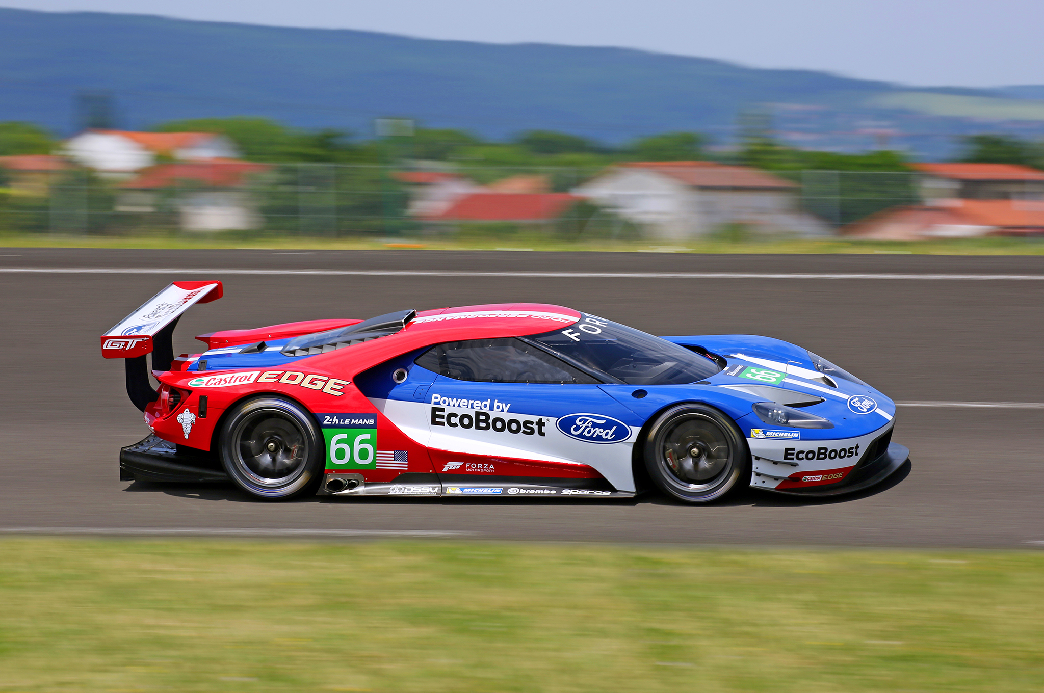 Stunning ford gt race car ushers in fords return to le mans