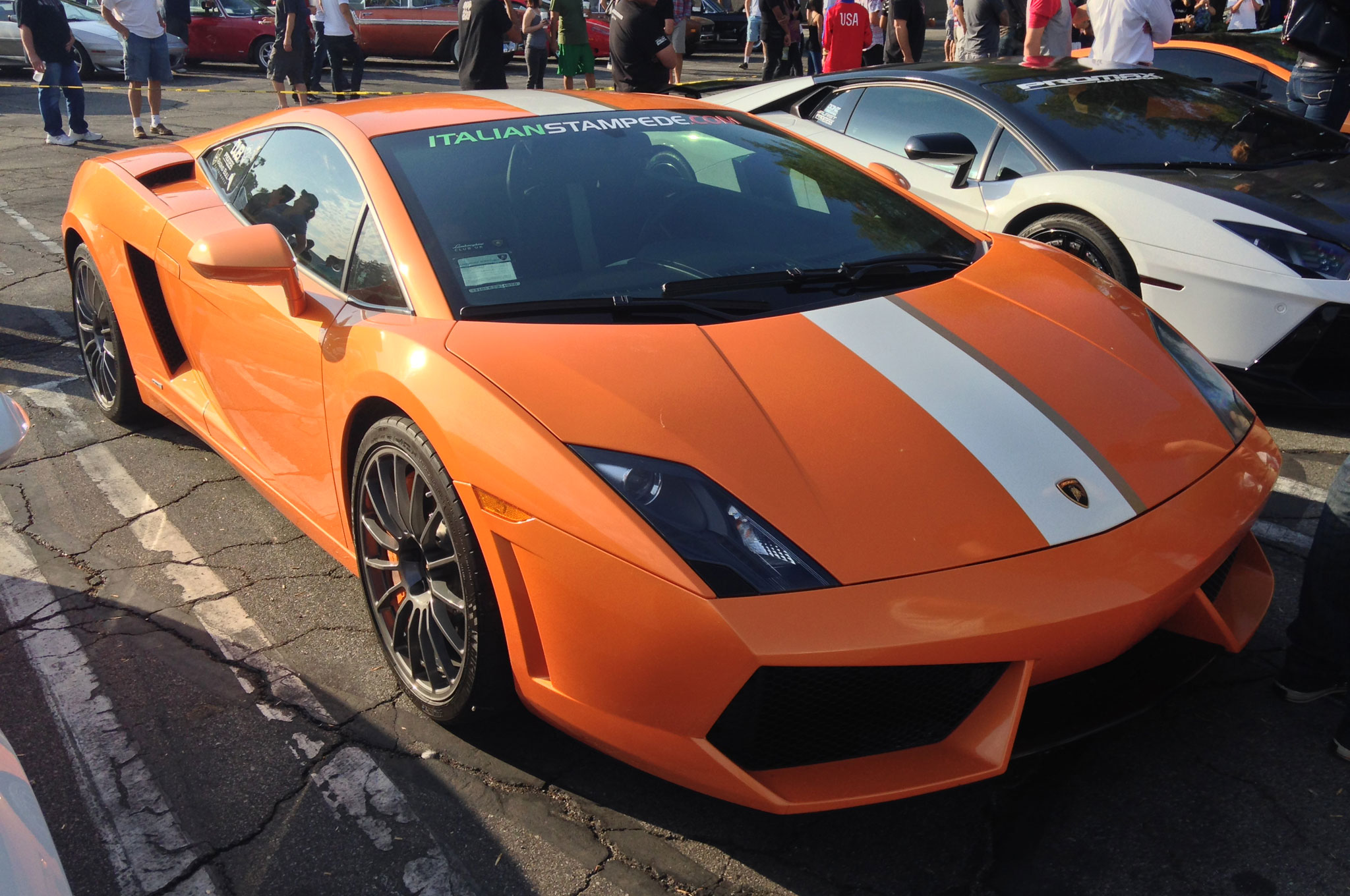 And this Gallardo proves that orange is even better with a racing stripe.