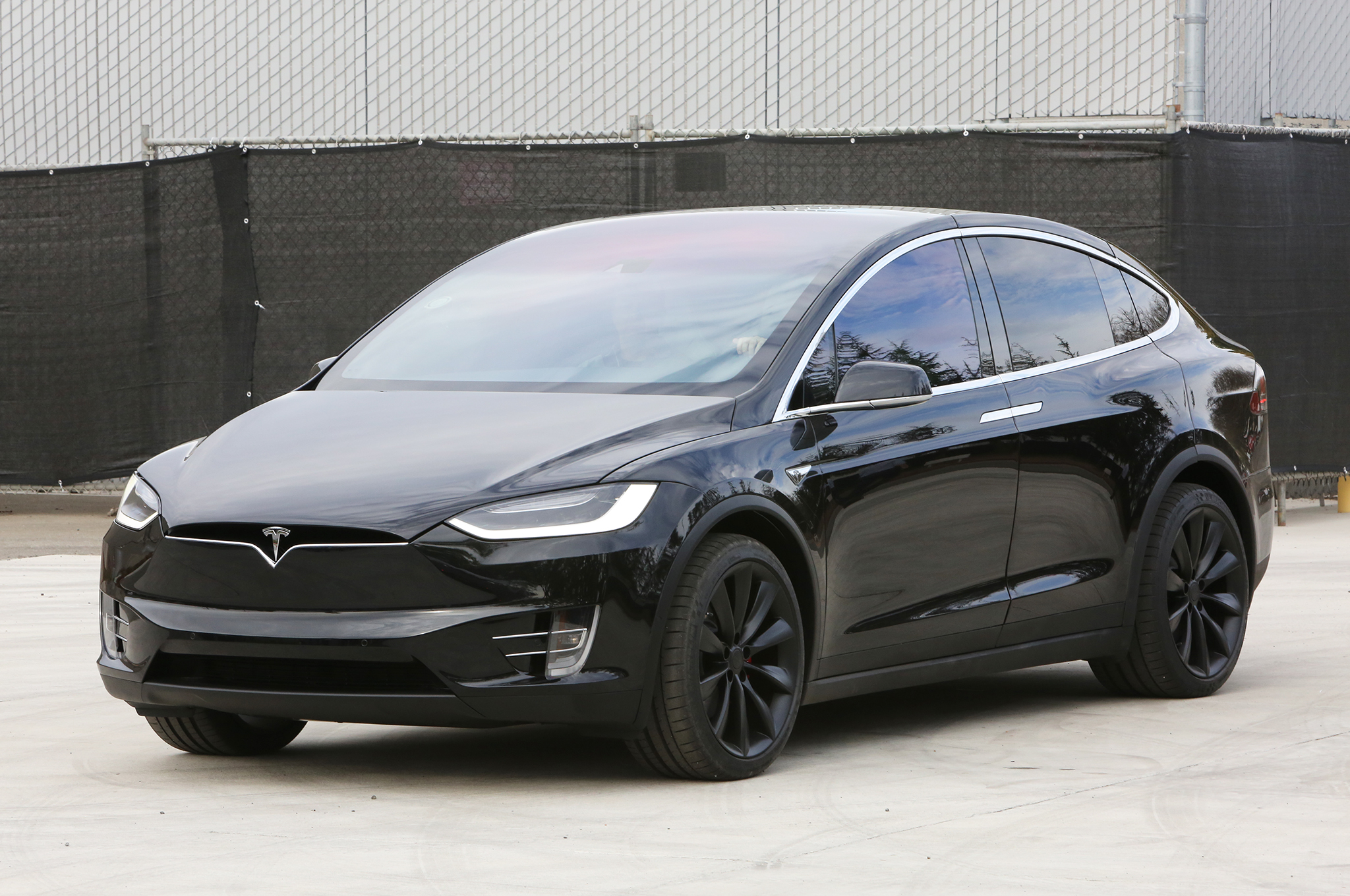 2016 Tesla Model X P90d Review
