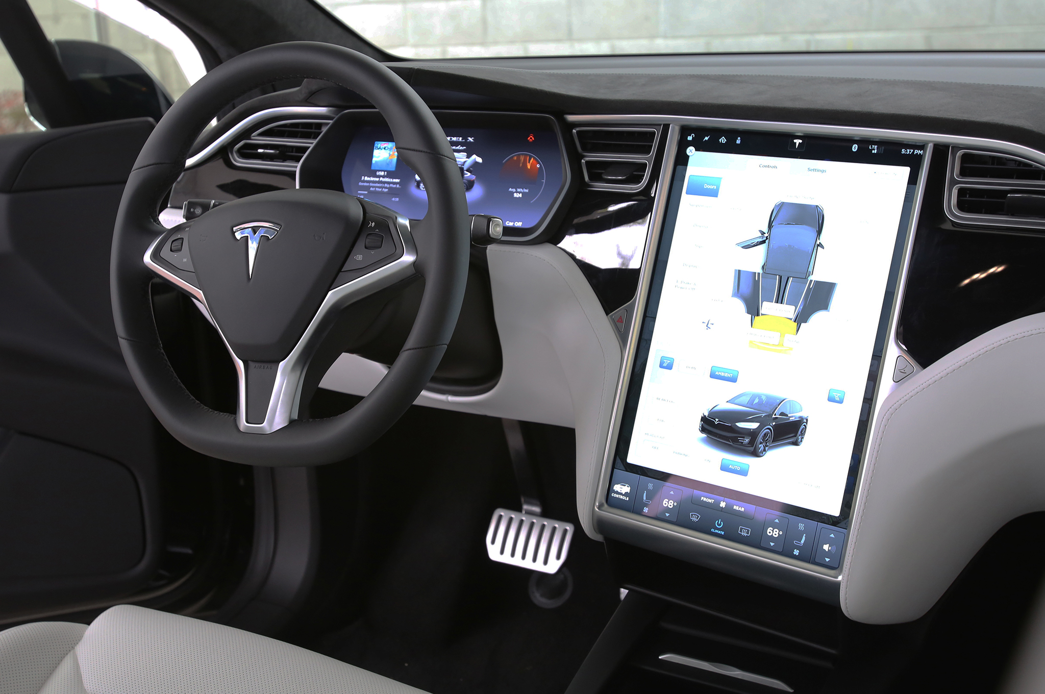 Suv Tesla Interior >> 2016 Tesla Model X P90d Review
