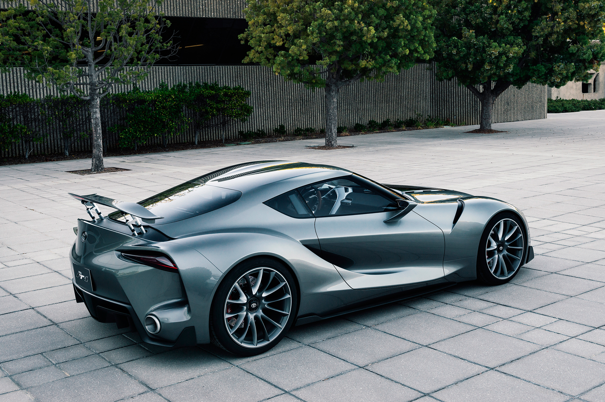 [Image: Toyota-FT-1-Concept-three-quarter-quarter.jpg]