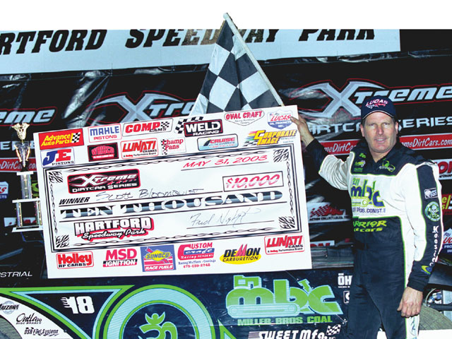 Bloomquist has been using VP Late Model Plus throughout the 2003 racing season.