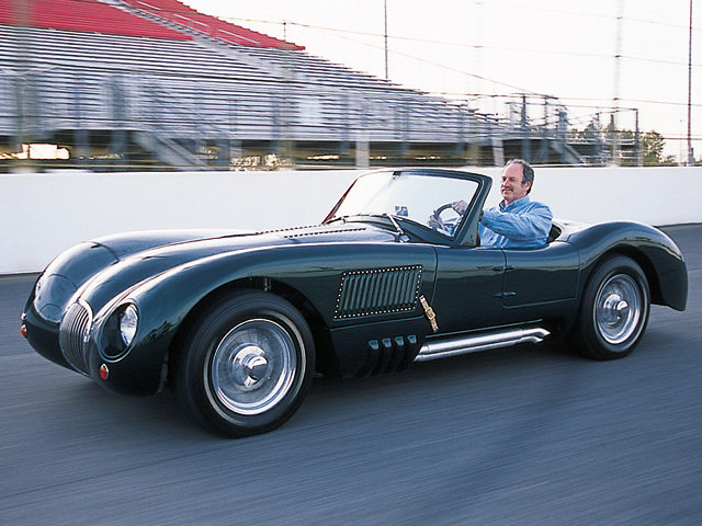Built on a modified SVC Cobra frame and sporting a 98-inch wheelbase, this cat is one elegant ride.