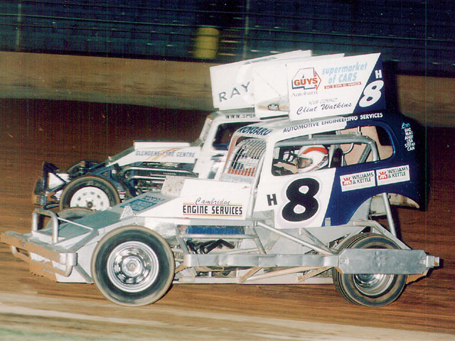 Dave Roigard (H8) and Steve Pribicevich (15A) provide a good look at Stockcar action. You can see the rear wheel covering and chassis protection of this class.