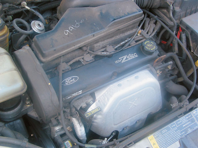 This is the stock 2L Zetec engine commonly found in Ford products such as the Focus. This engine serves as the basis for the racing engine that is used in USAC competition. S.C.R.E.A.M. of Harbor City, California, is the exclusive supplier of the sealed engines for the series.