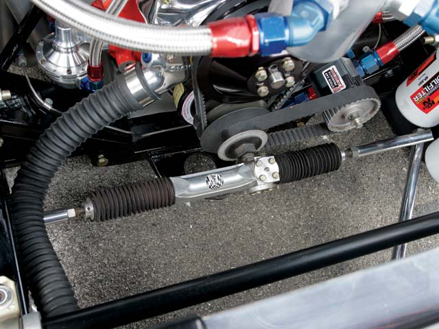 The stock car-spec chassis uses a Stiletto manual rack-and-pinion setup.