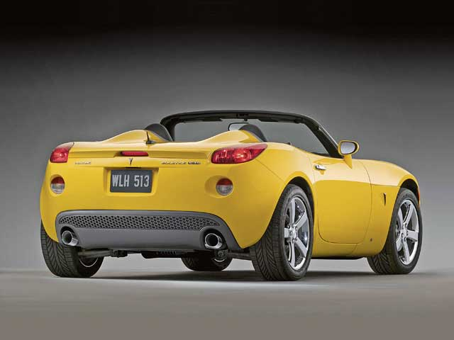 New rear fascia accommodates the dual exhaust outlets and gives an aggressive appearance.