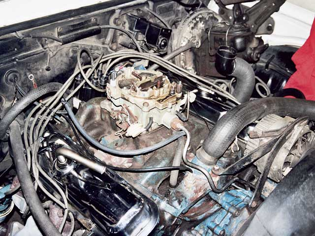 The 400 engine ran well, but proved to be a real gas hog. It traveled only 1.1 miles on a quart of gasoline. That would be 4.4 mpg under the test conditions of accelerating up to 65 mph from a stop and maintaining this speed until the carburetor ran dry. The linear air/fuel meter from the dyno showed at cruise the carburetor was creating a 12.5:1 air/fuel ratio. This was more than two complete ratios richer than stoichiometric. This term describes the mixture strength for the most complete chemical-to-mechanical energy conversion for the fuel. Unleaded street gas (we used 93-octane Citgo) has a stoichiometric value of 14.67:1.