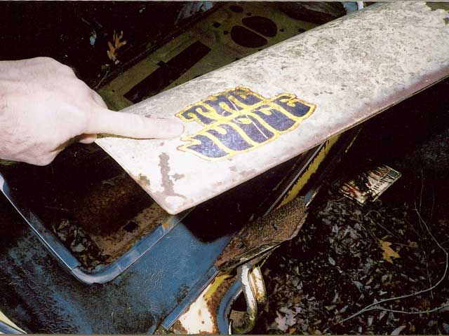 When we saw this gennie trunk decal, we knew this tragic Judge was no illusion. The trunk spoiler is long gone.