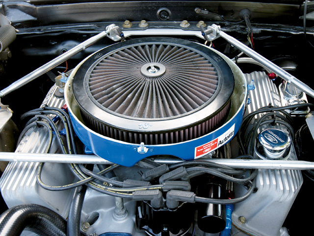 Looks can be deceiving. That air cleaner hides more than just a 463ci stroker Ford.