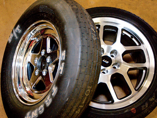 The skinny Bogarts and Mickey Thompson ET Fronts reduced frontend weight and rolling resistance but required smaller Aerospace brakes.