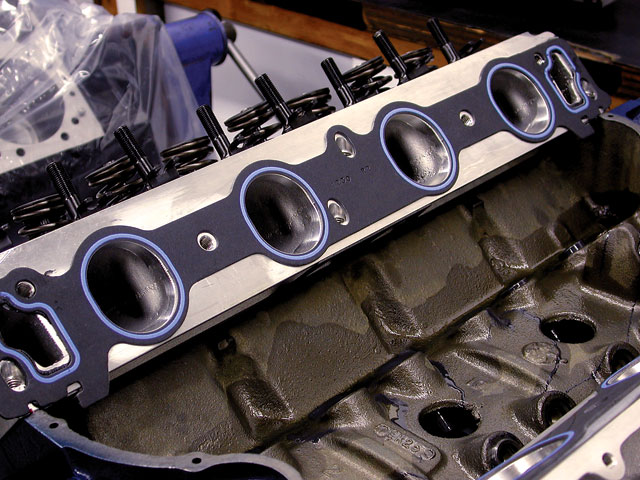 The Edelbrock 460CJ heads feature a stock-sized intake port with large 2.19/1.76-inch valves and a 95cc combustion chamber. The heads also require roller rockers that are identical to a Cleveland Ford/Boss 302.
