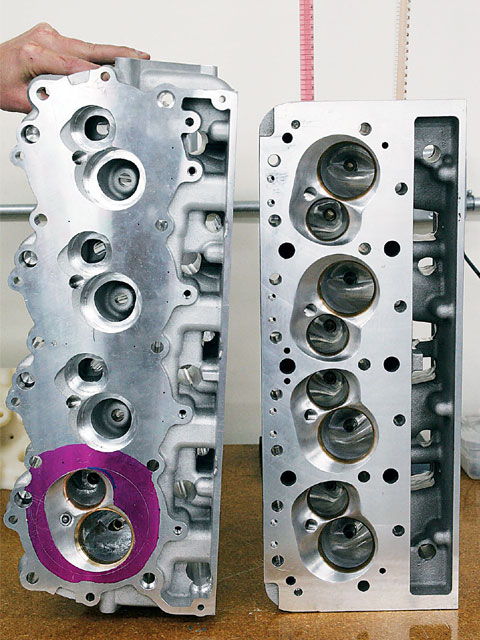 The R07 head (left) is a rare casting, hence the smaller-looking intake ports. The SB2.2 (right) has extra room, which creates a lot of opportunities for creative engine builders to make power.
