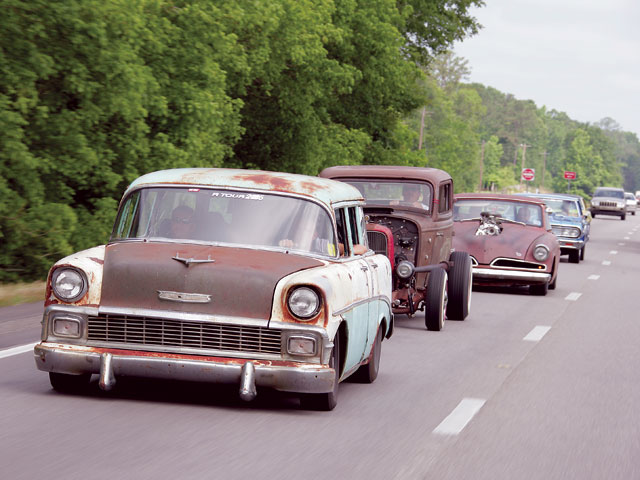 Somewhere in Alabama, Reynolds' '56 leads Bruce Hall's '32 and SteveMohr's blown Stude. Guys in SUV's just don't know what to think.