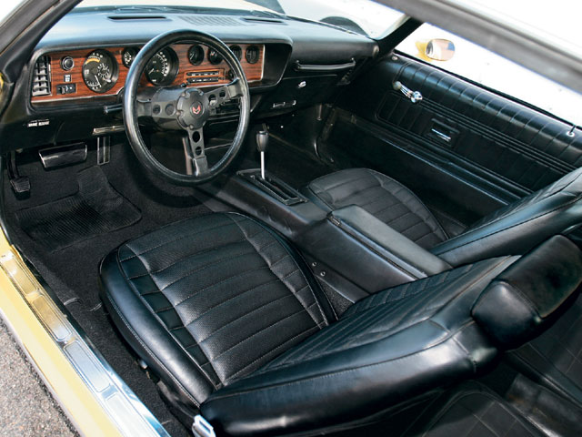 Since Bill's first '70 1/2 Formula had Custom interior, he decided to upgrade this Pontiac to the same. And he swapped in a Formula wheel.