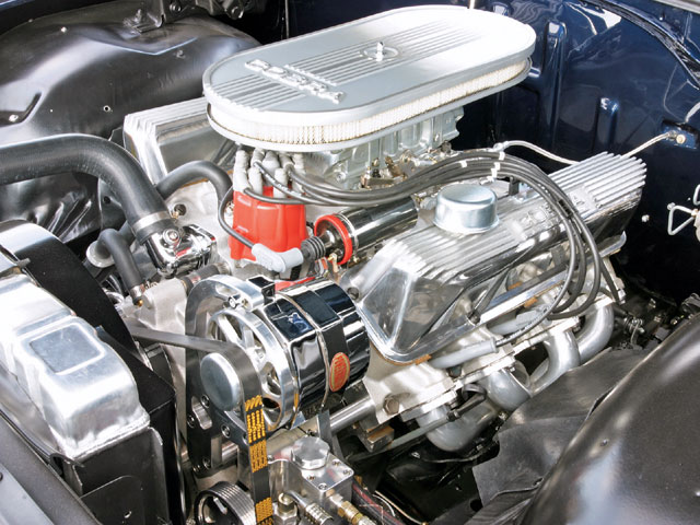 A 428ci FE motor was dressed in Ford Cobra garb, punched .030 over, with Edelbrock aluminum heads and a healthy .530-lift CoMP Cam to power Steve's Galaxie.