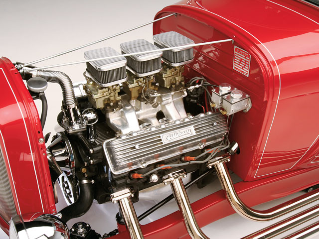 While 12:1 compression ratio was possible in 1960, the lack of tetraethyl lead in today's fuel required steve Cody to de-tune the Caddy considerably. the missing 6x2 intake was a blessing, as its plenum volume, not to mention the venturi area of 12 throttle bores, makes for a soggy machine at any speed slower than 6,000 rpm. ray still has the Wh DuCoil twin-coil ignition, but elected to run the stock Caddy piece.