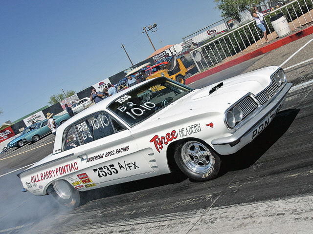 Notice the callout lettering on the rear quarter-panel to Bill Barry Pontiac of Santa Ana, California. With the help of John DeLorean, the dealer sponsored California-based Pontiac drag racers in the early '60s.