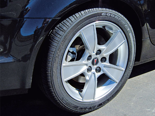The GT's machined face aluminum wheelss are shod with 245/45-18 summer tires. A set of 19-inch wheels and tires are optional.