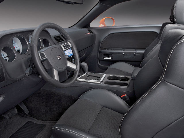 Not only does the interior look the part of a modern cruiser, it sports options such as GPS navigation, Keyless Go entry, a MyGIG infotainment system, and UConnect hands-free communication.