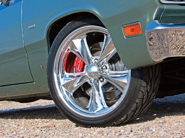 The Foose Nitrous II wheels are a modern interpretation of the famous Torq-Thrusts. The large 18- and 19-inch sizes easily clear the large SSBC Tri-Power brake package.