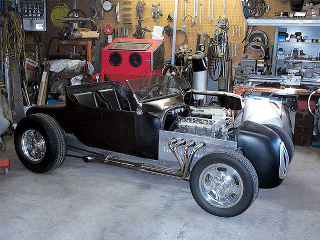 The Quad 4 makes a great little hot rod engine for something like this turtledeck T, producing just shy of 200 hp in stock form, and with retro looks to boot.
