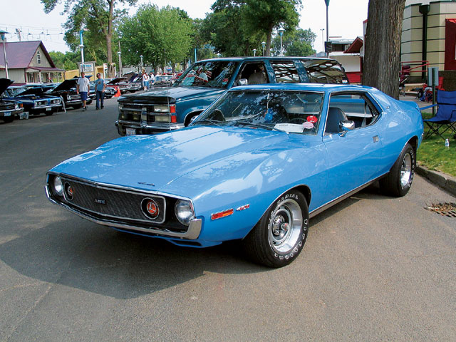 The alternative is this '74 Javelin owned by 19-year-old Brian Layden. It uses a 0.030-over 401 with 12.5:1 compression and Indy cylinder heads to run 13 flat at 109 mph on street tires. Somehow the Javelins avoided the '74 ugly bumper syndrome and got away with rubber guards instead.