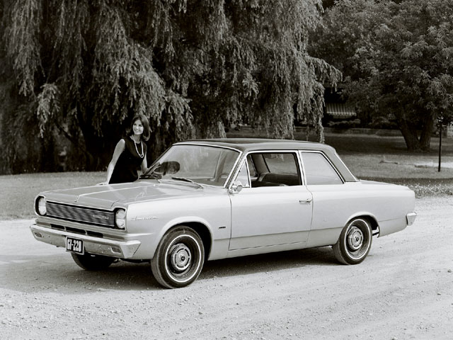The Rambler American got a redesign in 1965 and eventually morphed into the SC/Rambler 390 in 1969. This base model 220 would make a killer sleeper with running gear from a mid-'70s Jeep Cherokee or Wagoneer.