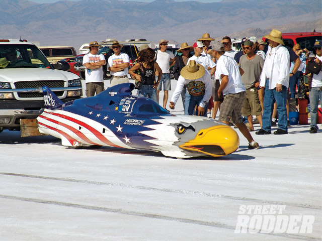 If ferocious looks alone could win races, the American Eagle entry would best 'em all. Owner/driver Skip Hedrick's (Vista, CA) 372 cubic inch Chevy V-8 powered C/Gas Streamliner qualified for a shot at the 323.126 mph record set back in 2006 with a speed of 335.746 mph, but the fates ruled otherwise.