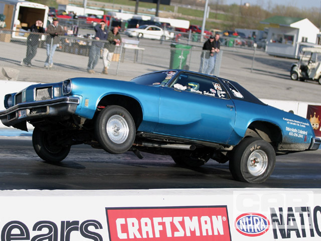 This Olds launch is a classic example of body twist that illustrates (to the extreme) how the chassis reacts to torque input.