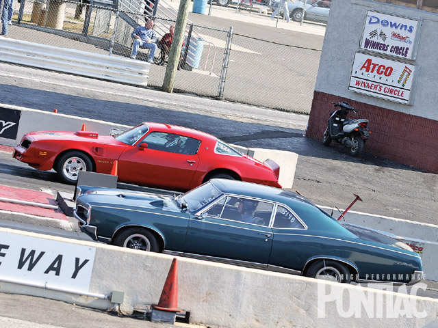 Here is a classic pairing at the starting line that represents two eras of Pontiac prosperity.