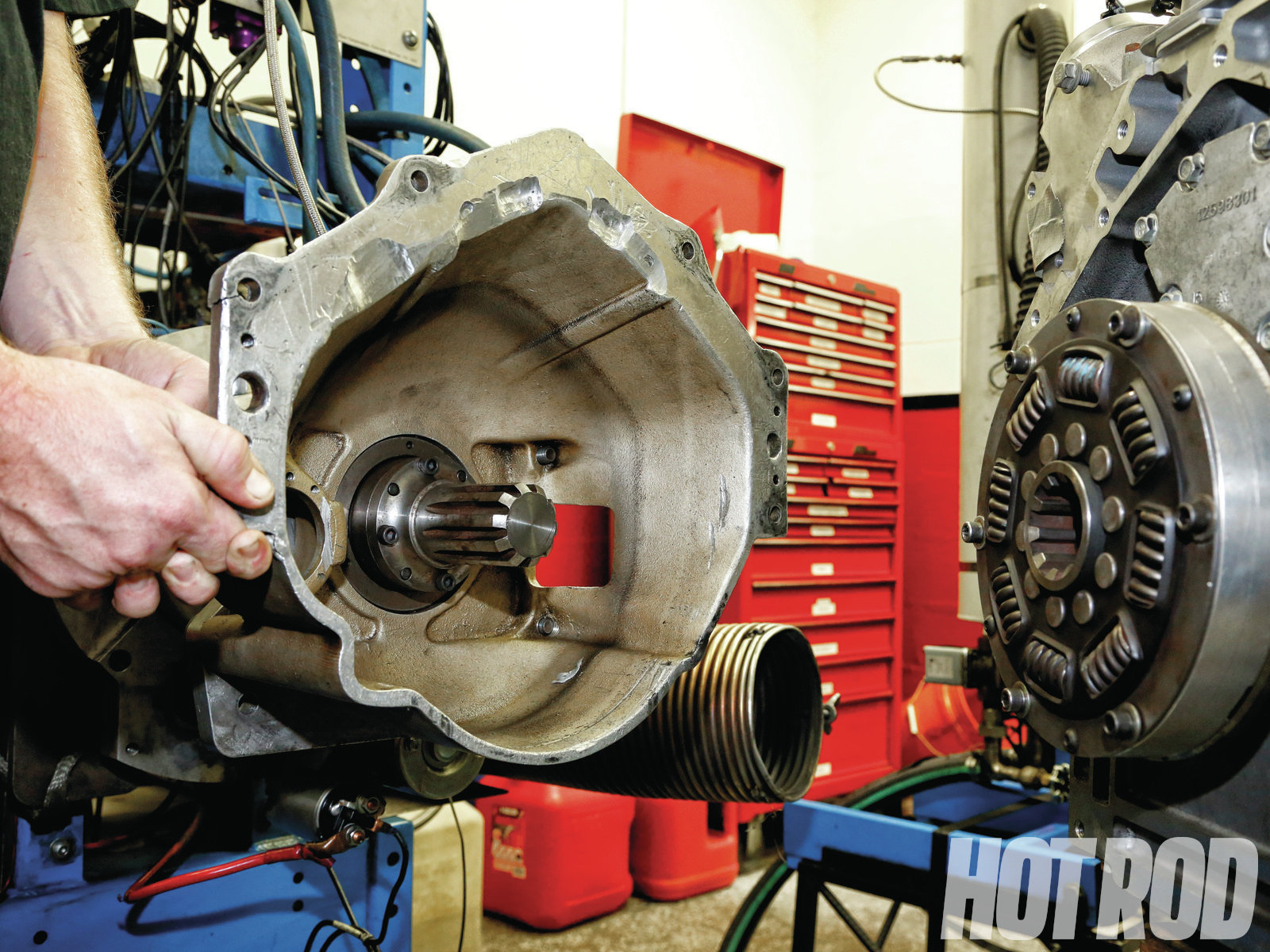 [05] The flywheel hub slides over the water brake's input shaft and transmits engine torque to the dyno. SuperFlow offers a variety of GM, Ford, and Chrysler bellhousings to attach the power-absorption unit to virtually any type of engine. Alternately, an aftermarket scattershield can be used.