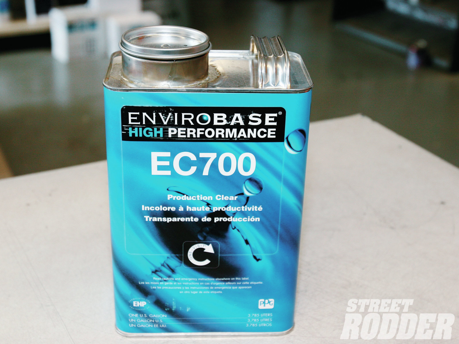EC700 clear is designed to be used over Envirobase basecoat. Intended for high production body shops, this product is referred to as one-visit technology, which means there is no flash time between coats.