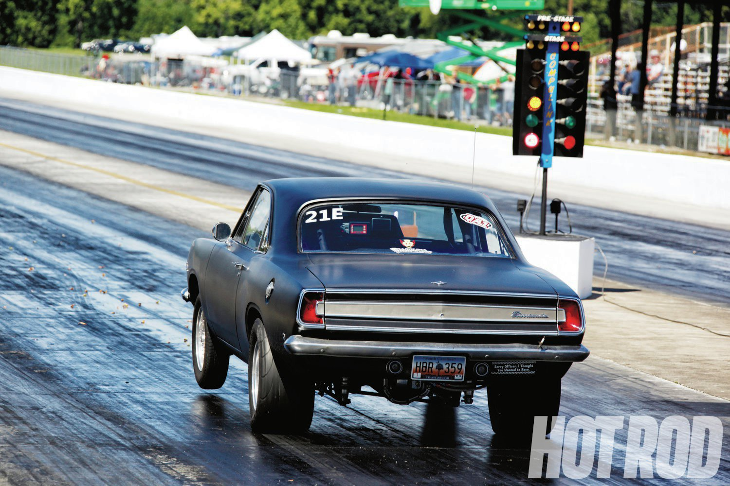 Ray Meyers removed his 440 that won last year's class by running 10.0s (on the brakes) and replaced it with a beefed 6.1L Hemi, only to slow down to 10.60s and a best of 10.37.