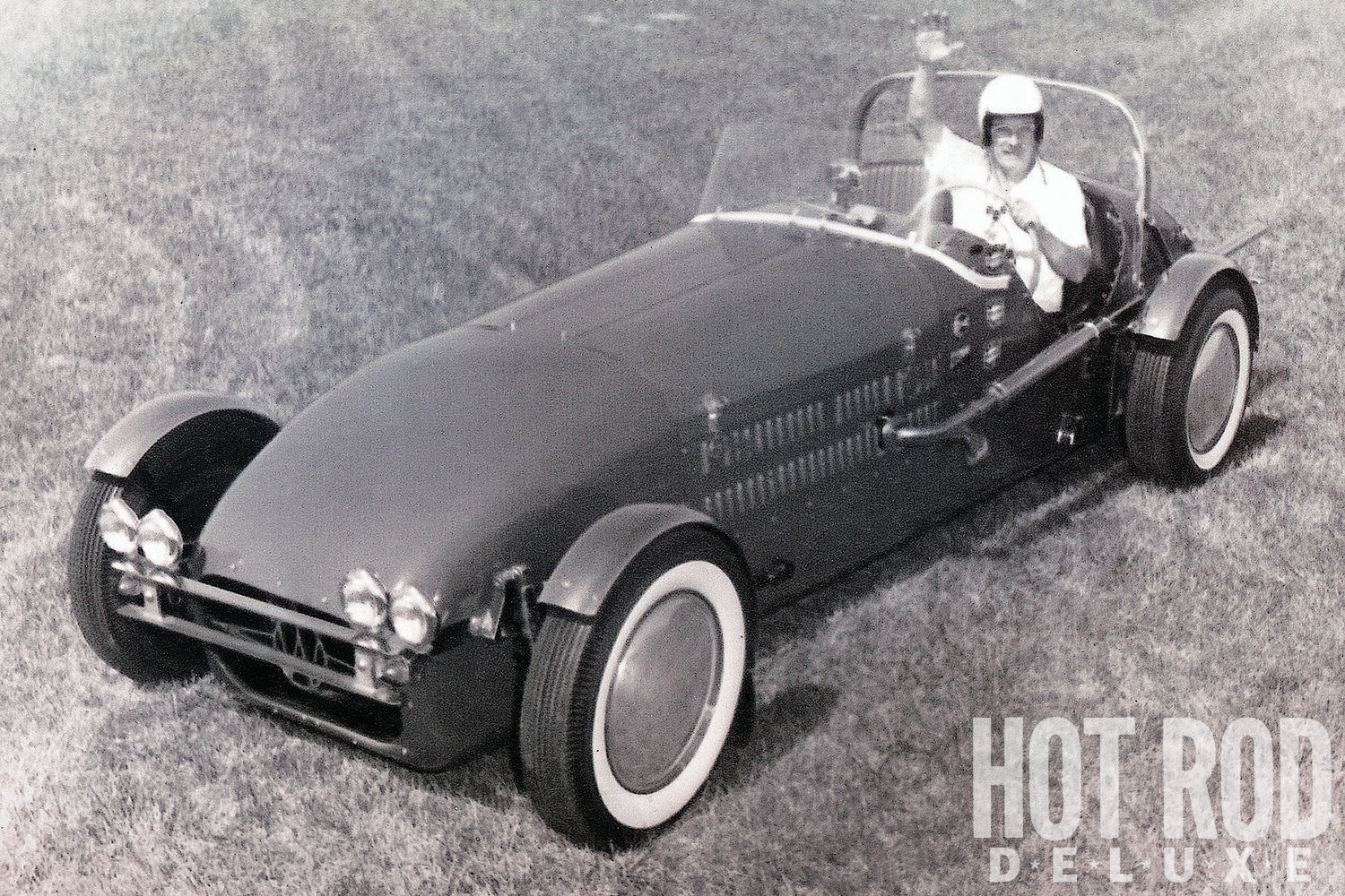 Here's the brand-new Williams Special with designer-builder-driver Ed Williams in an undated mid-'50s photo. The only noticeable external differences between this original, Olds-powered configuration and the current version are the exhaust system and solid side panels that Ed fabricated in 1962 for his 427 Ford transplant.