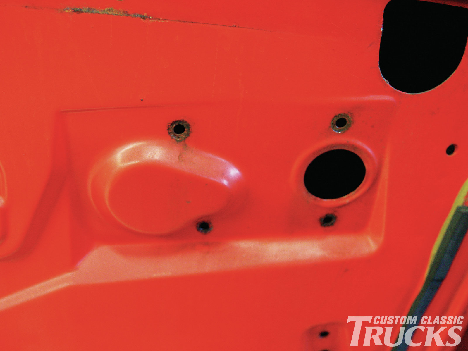 13. The manual regulator can be removed once these four screws have been withdrawn.