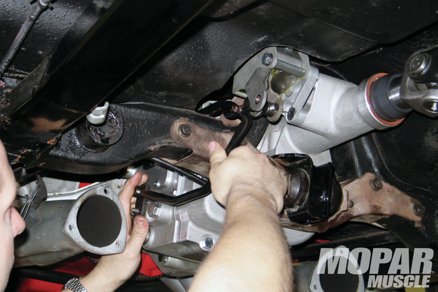 """07 In true """"complete"""" form, the Passon transmission comes with a new shifter mechanism, and the required linkage rods."""