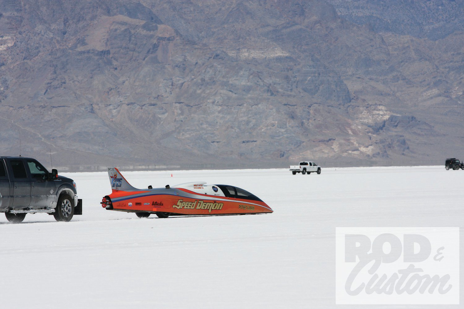 """We've concentrated on roadsters rather than streamliners or late models, as this is R&C after all, but it'd be remiss of us to not show George Poteet setting out on his record-setting run in """"Speed Demon"""", setting a new record of 437.183 in C/BFS."""