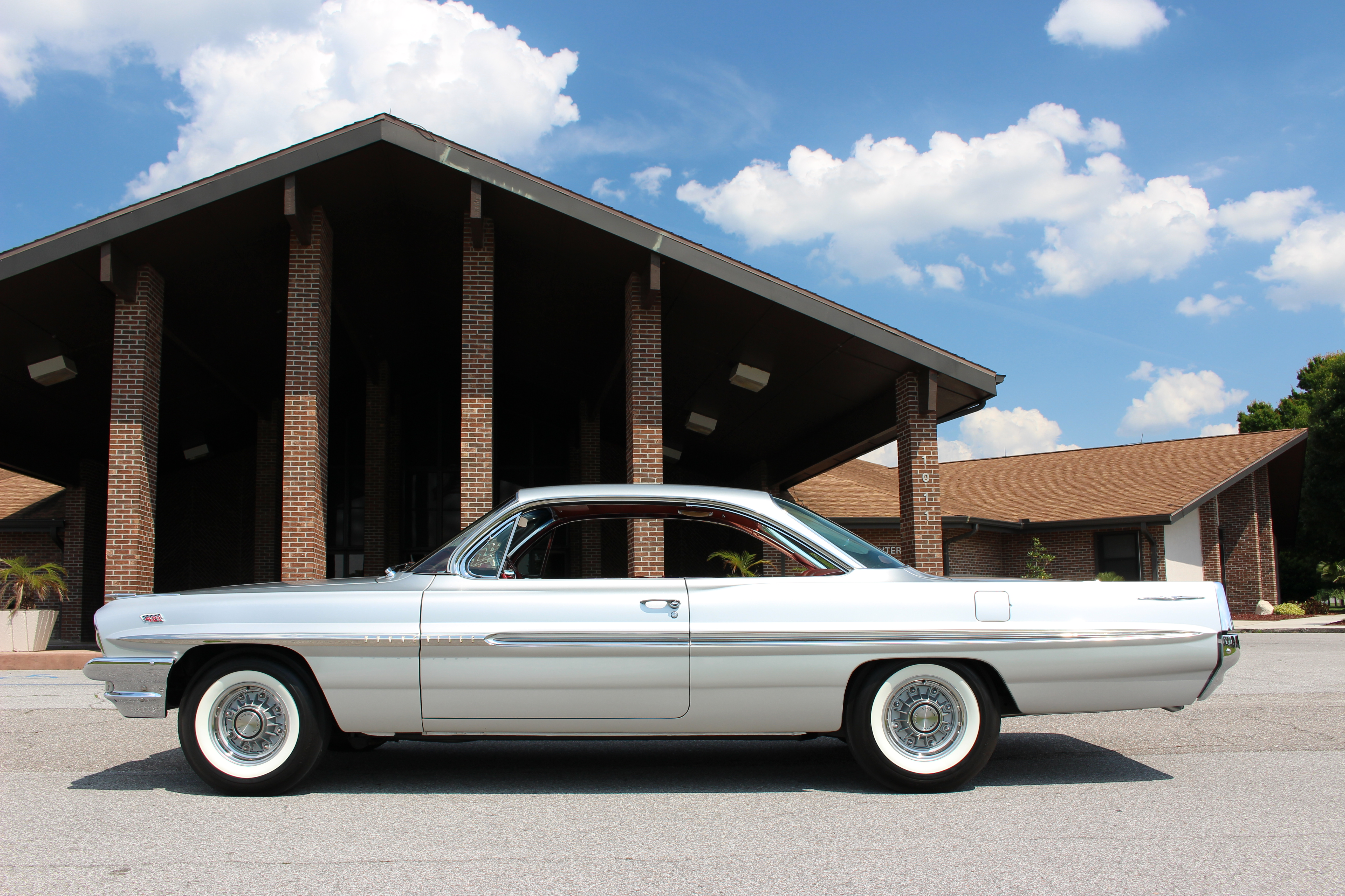 Richmond Gray Metallic was a beautiful and rare color for '61 Pontiacs.