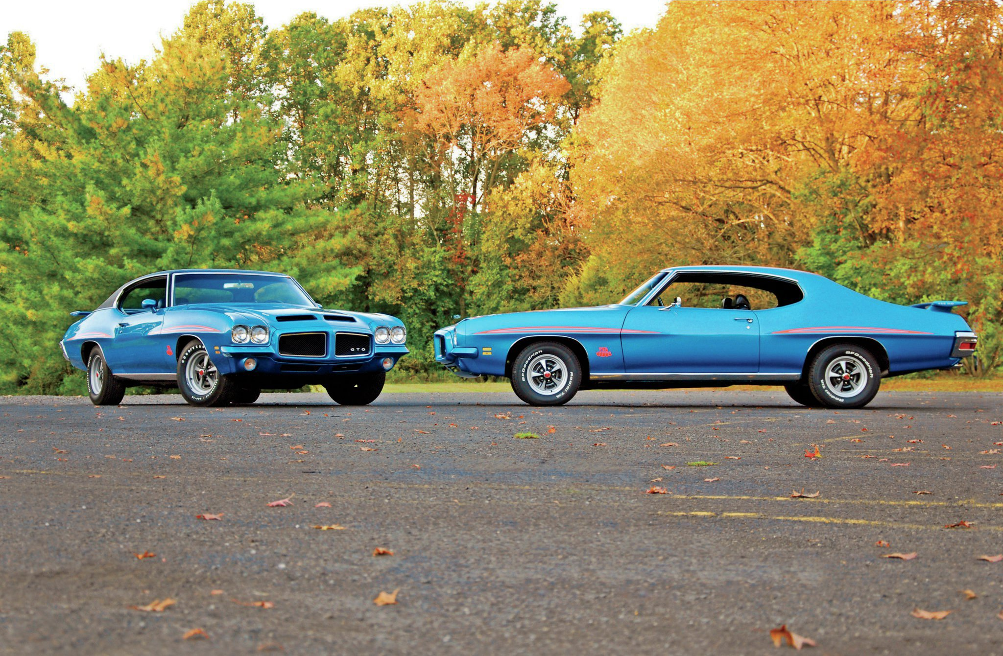 With only 357 samples produced, finding one '71 Judge hardtop is a hard enough task, but two, that's a real challenge. Owner Bob Schweitzer never set out to own two matching rides; it was just provenance that the GTOs were both Lucerne Blue.