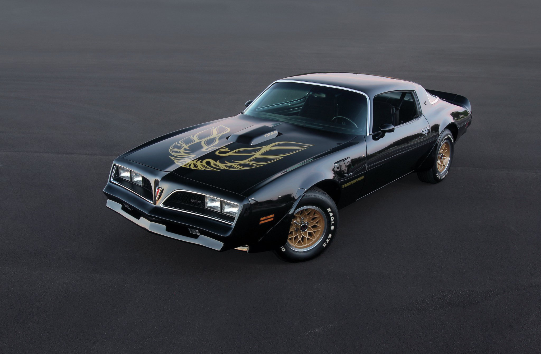 Owner Ray Burlette wisely opted to forego creating a Bandit clone out of his otherwise well-optioned '78 T/A. That hasn't stopped the masses from calling it a Bandit, though. Black returned to the Firebird's color palette in '76 and remained until '02.