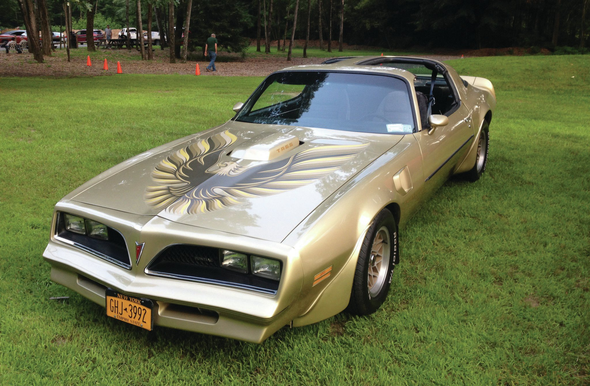 This is Michael's '78 Trans Am. The shaker hood demands minimal throttle-body height changes so that everything fits properly.