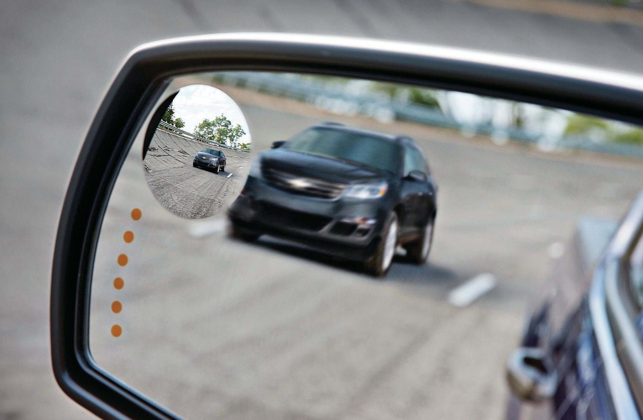 The side mirrors alert you when another car is in your blind spot. And if you get too close to either side of your lane, the seat vibrates to let you know. Incidentally, if that idea bothers you, you can always shut the feature off at the flip of a switch.