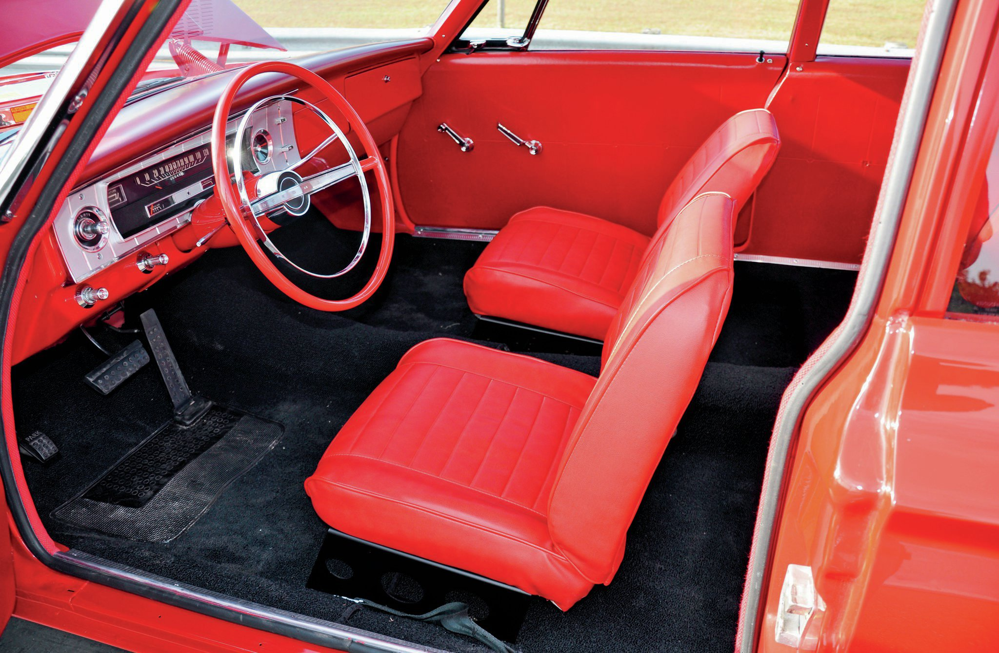 The '65 factory racers continued to incorporate many of the weight-saving features found in the '64 cars.