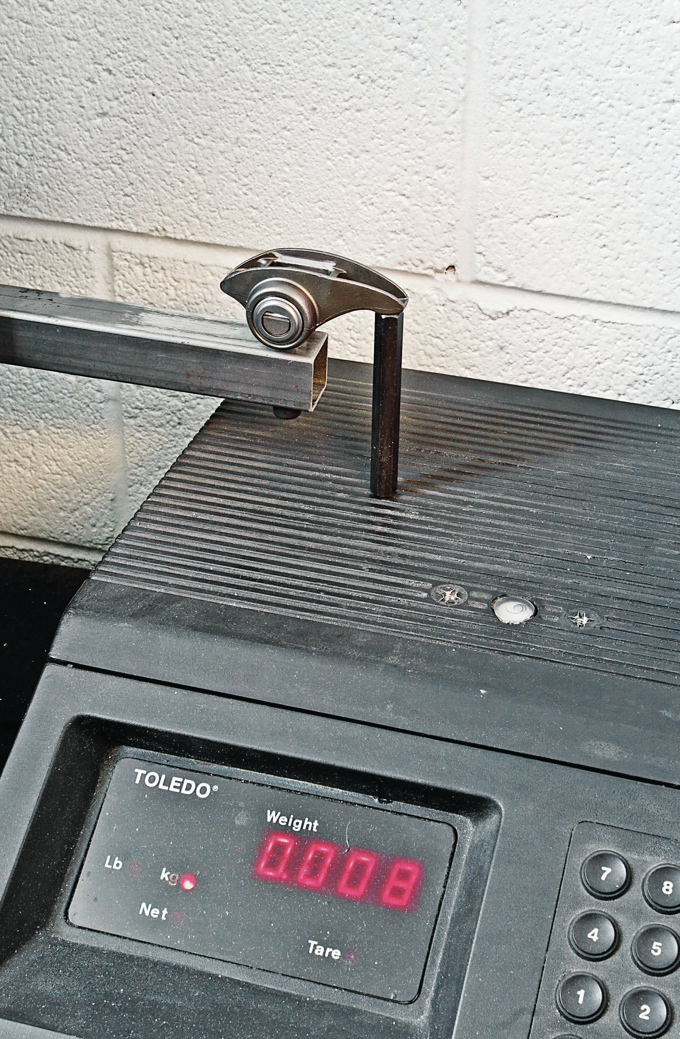 Weighing each shows the LS7 rocker to be 0.009kg (0.317oz) lighter over the tip.